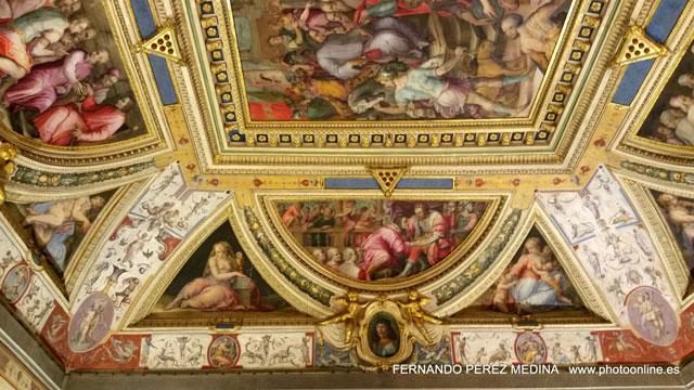Palazzo Vecchio, Piazza della Signoria, Florencia, Italia 640w