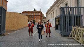 Piazza del Sant'uffizio, Roma, Italia